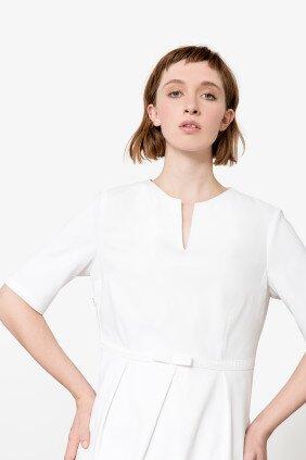 amelie-kasack-raffinierter-kasack-in-französischem-design-weiß-pure-berufsbekleidung-01