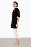 leya-kasack-wickelkleid-mit-stehkragen-schwarz-mit-kragen-sand-pure-berufsbekleidung-06